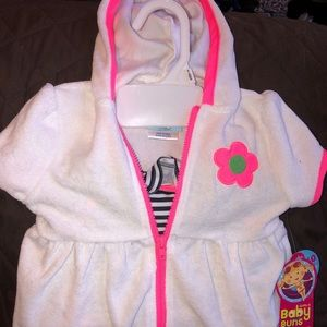 NWT Baby Buns Swimwear Size 6-9M Suit & Coverup